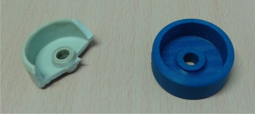 Ersatzteil für REIISSbrett EXAKT 2 - links defektes Teil, rechts gedrucktes Ersatzteil